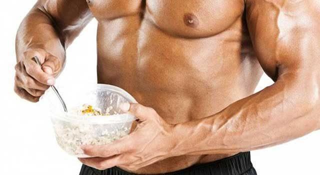 Важность творога для роста мышц и похудения.