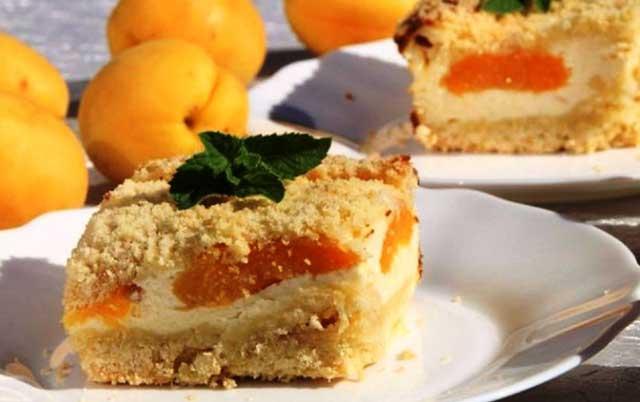 Абрикосово-творожный пирог со штрейзелем