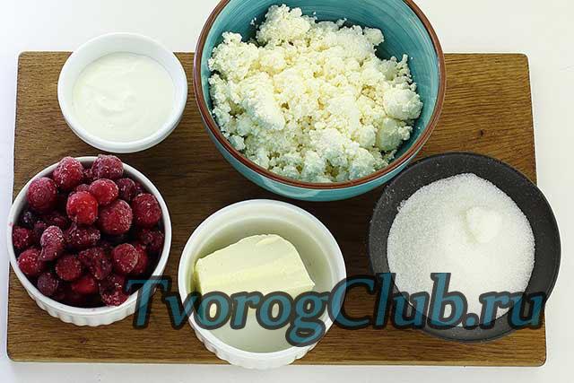 Продукты для приготовления сырой пасхи из творога